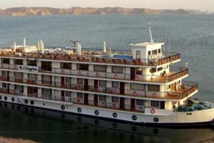 Ms Eugenie en Lago Nasser