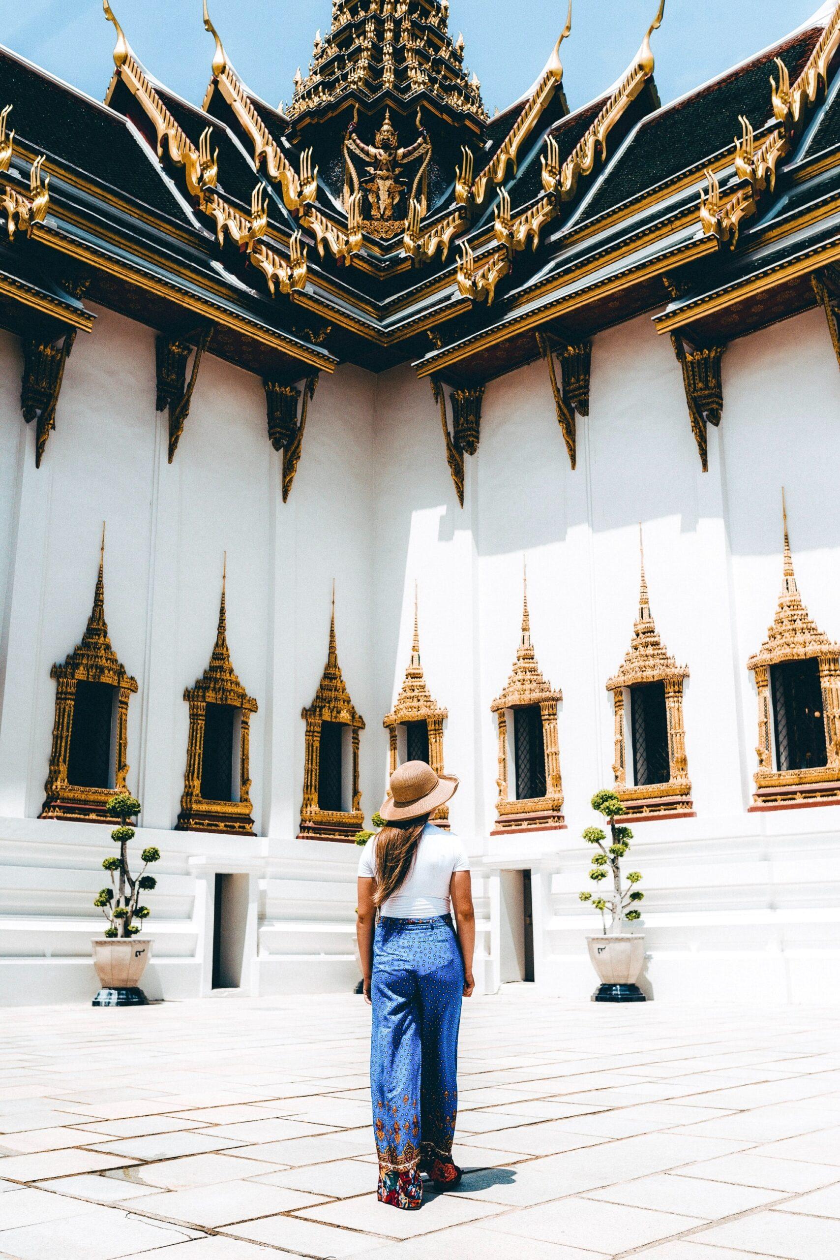 El Gran Palacio ocupado por turistas